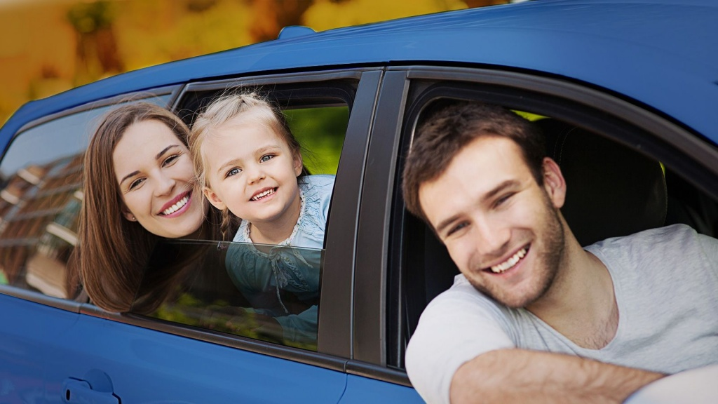 Картинки по запросу Новый и дешевый семейный автомобиль - это звучит